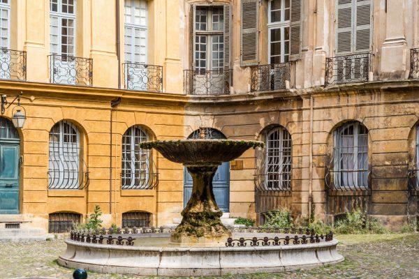 Une journée à Aix-en-Provence - Place d'Albertas
