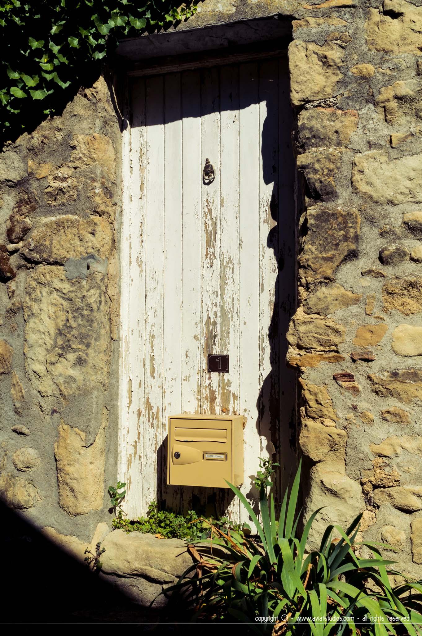 village de Coaraze - Porte