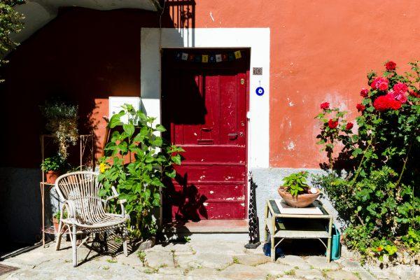 village de Coaraze - Façade colorée