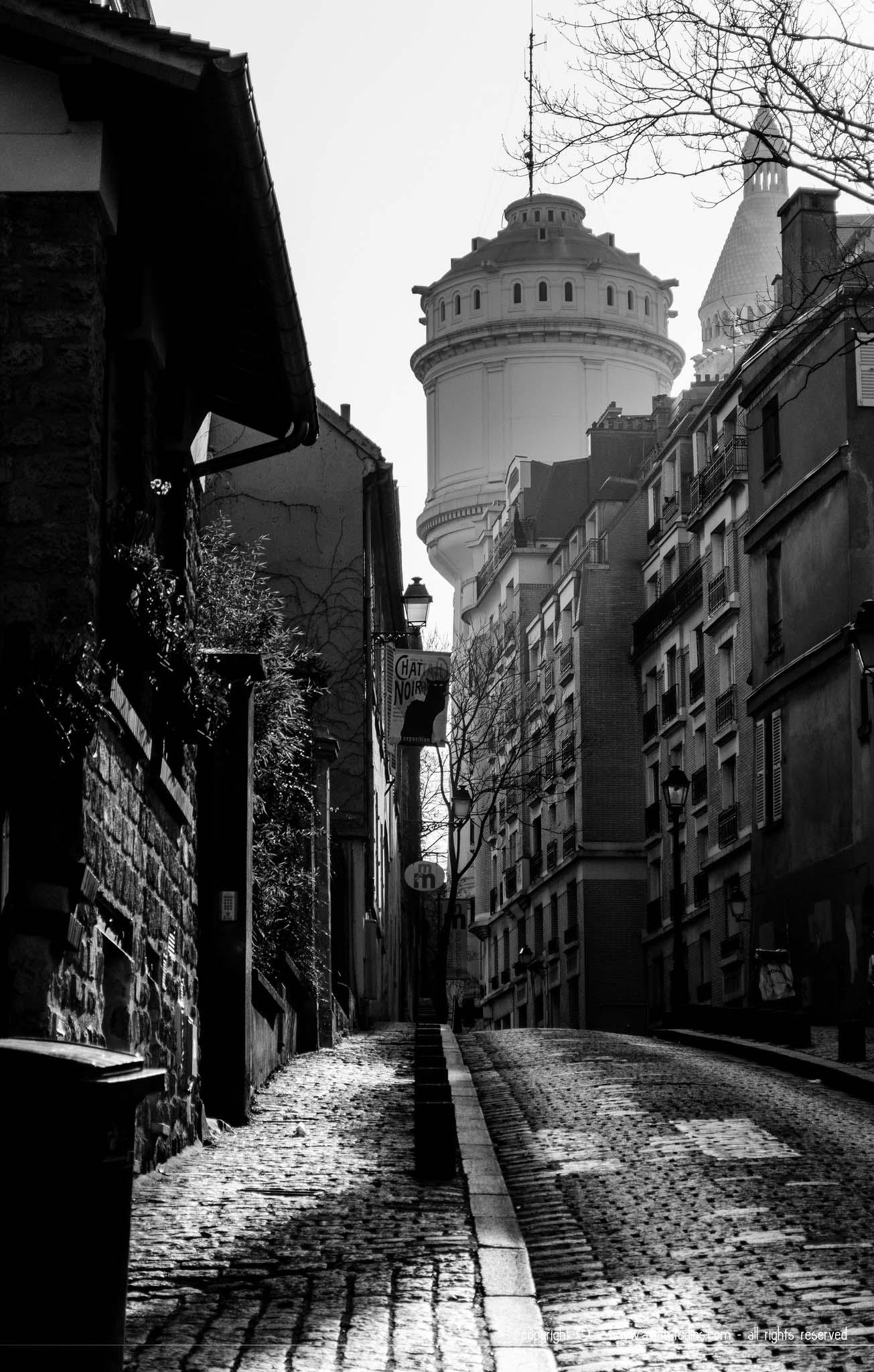 Une ruelle de Montmartre au petit matin
