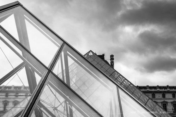 Les fameuses Pyramides du Louvre par Ieoh Ming Pei