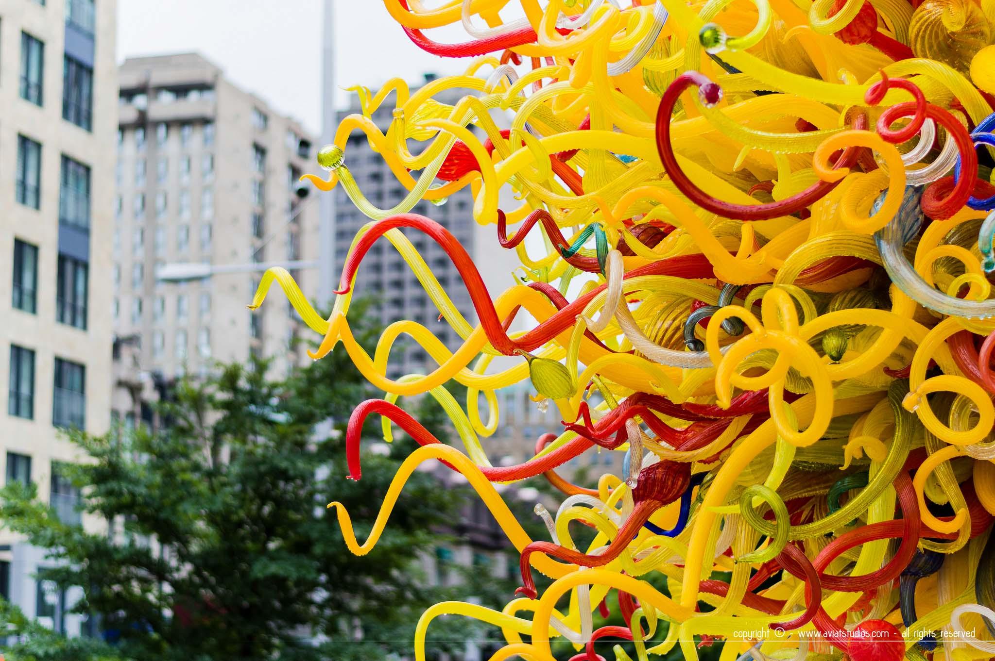 Voyage à Montréal - oeuvre d'art contemporaine devant le musée des beaux arts