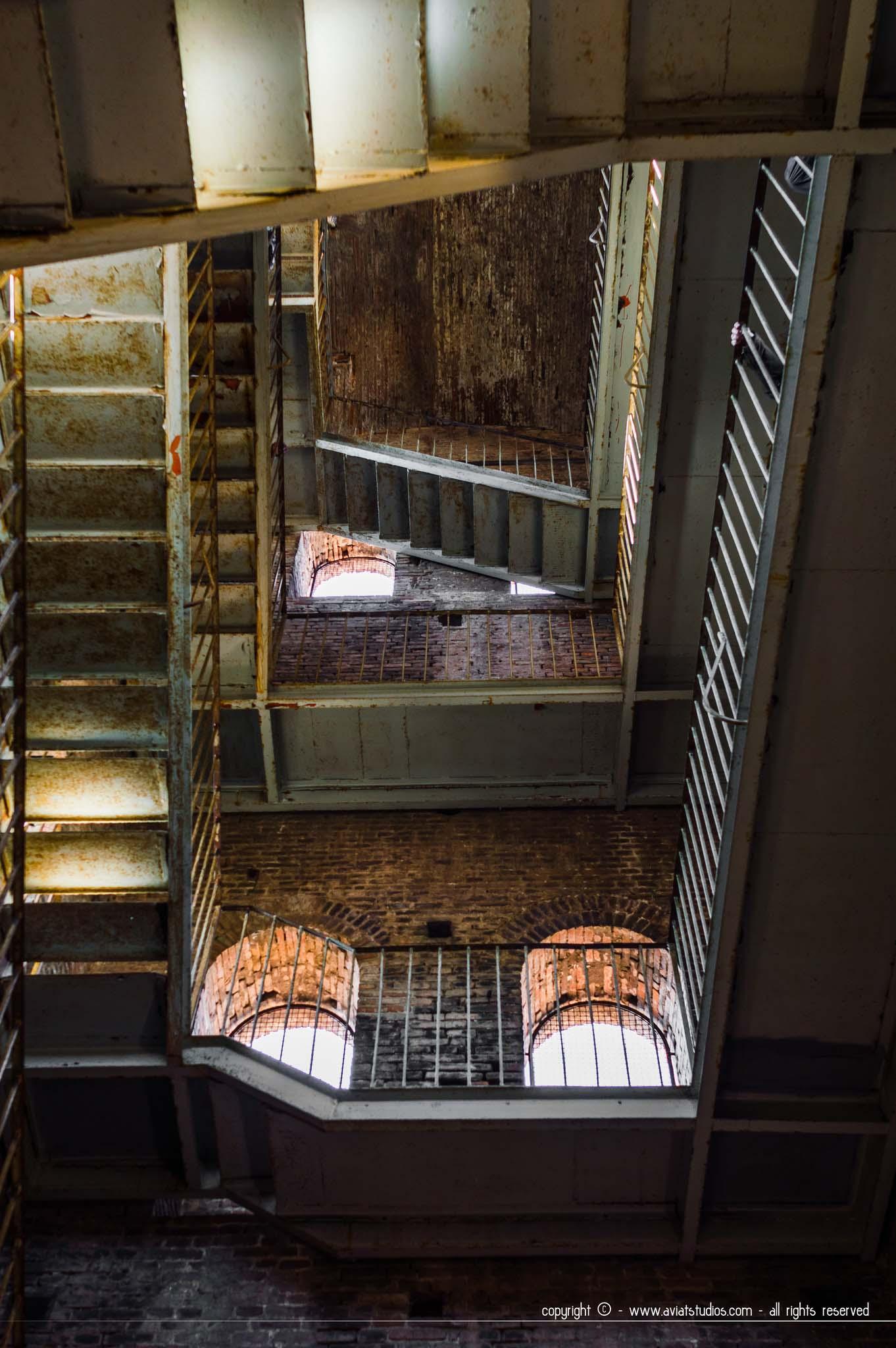 Les escaliers menant au jardin de la Torre Guinigi