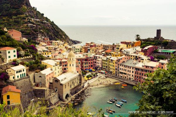 Le village de Vernazza vu d'en haut