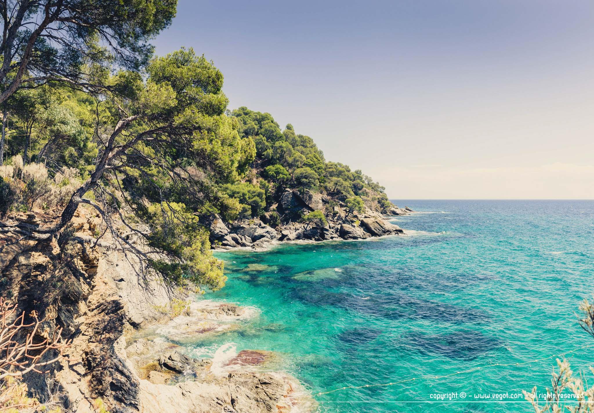 Le domaine du Rayol - la pointe du Figuier donnant sur les eaux cristallines de la Méditerranée