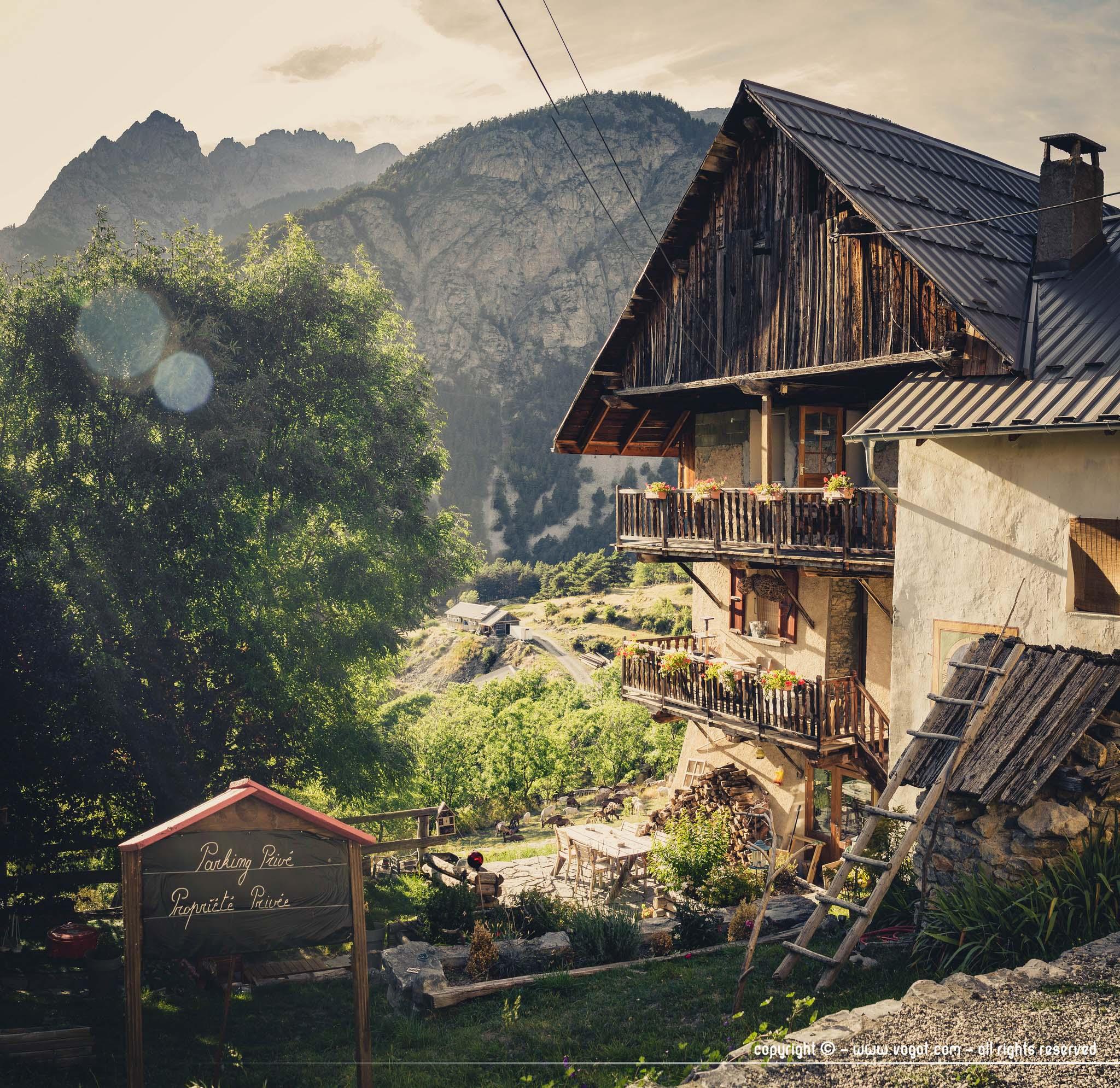 Trek dans le Queyras - maison de Montbardon