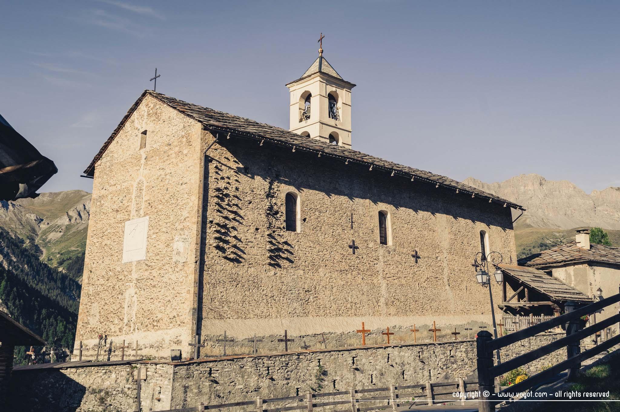 visiter Saint-Véran - l'église du village