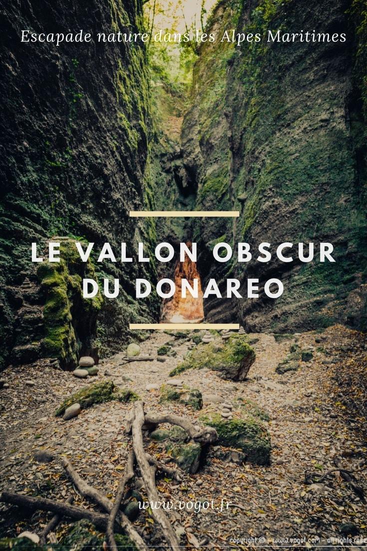 Le vallon obscur du Donareo ! Découvrez cet endroit insolite à quelques km de Nice. Un endroit mystique et magique qui se cache sous de faux airs d'île de la Réunion. C'est l'idée parfaite pour une balade le temps d'un après-midi !