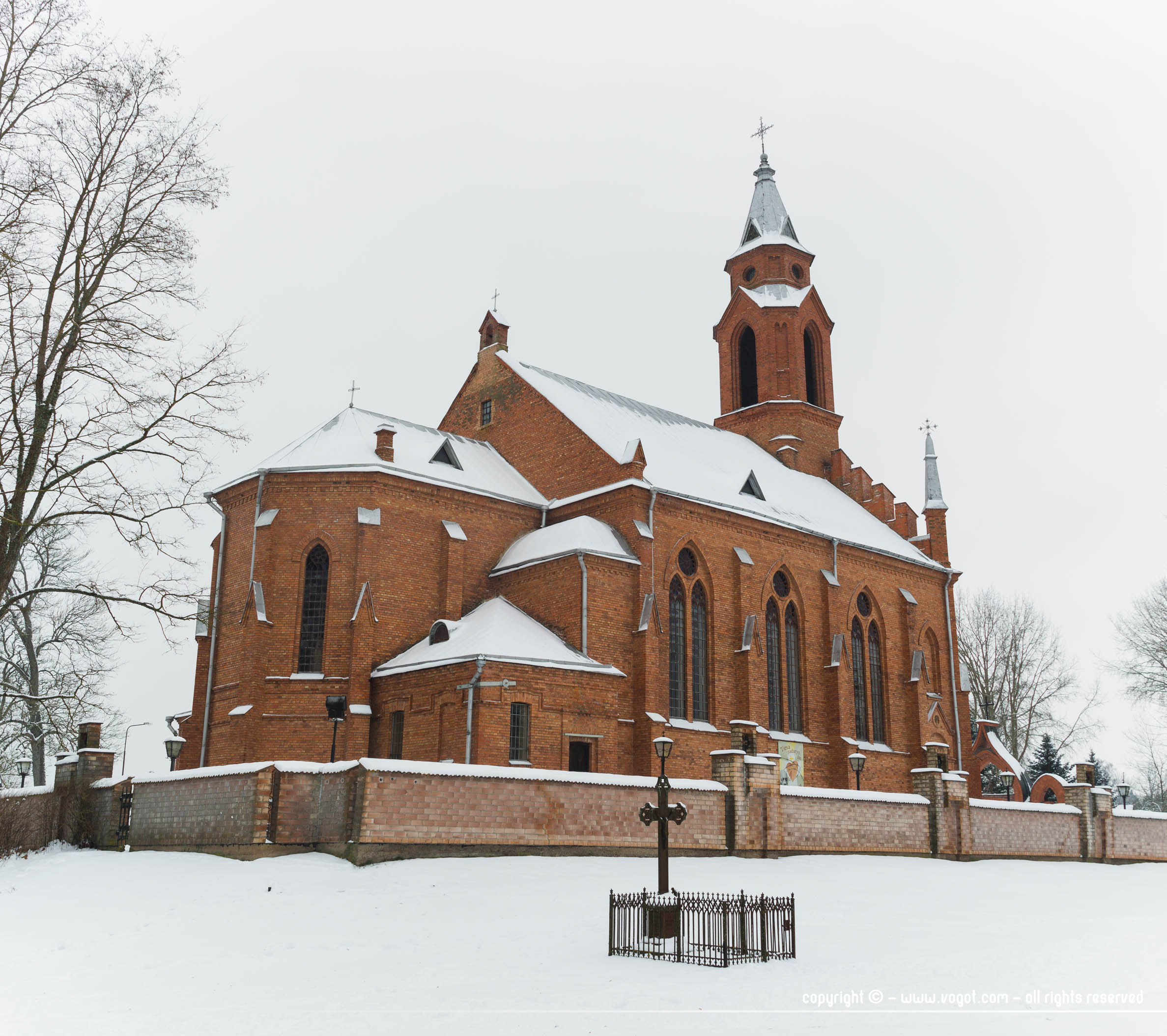 Escapade nature autour de Vilnius - l'église de Kernavé